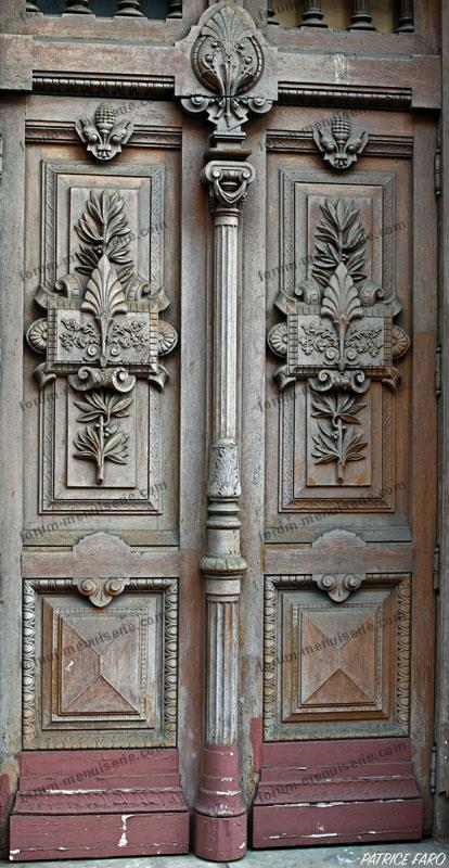 ancienne porte en bois sculptée - Photo Patrice Faro