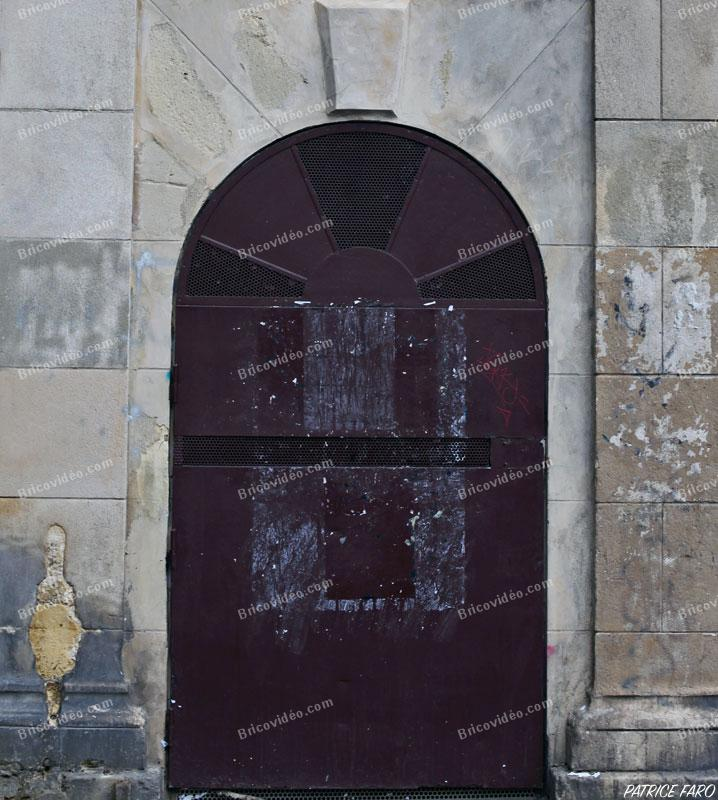 ancienne porte métal arrondie - Photo Patrice Faro