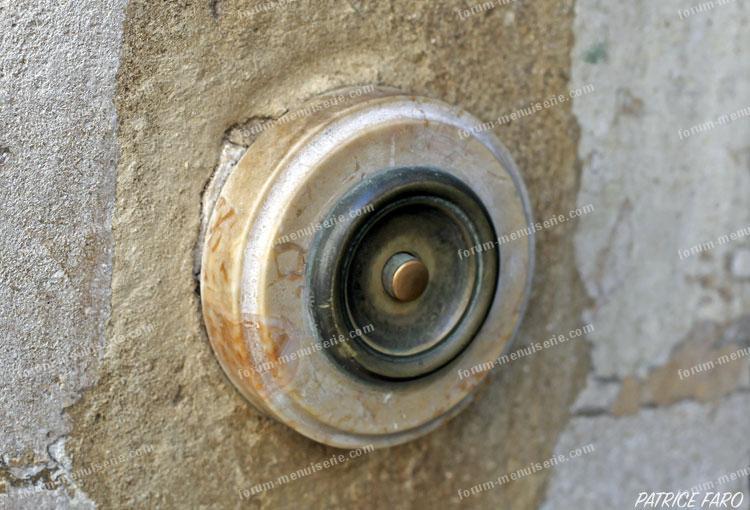 bouton sonnette porte ancienne - Photo Patrice Faro