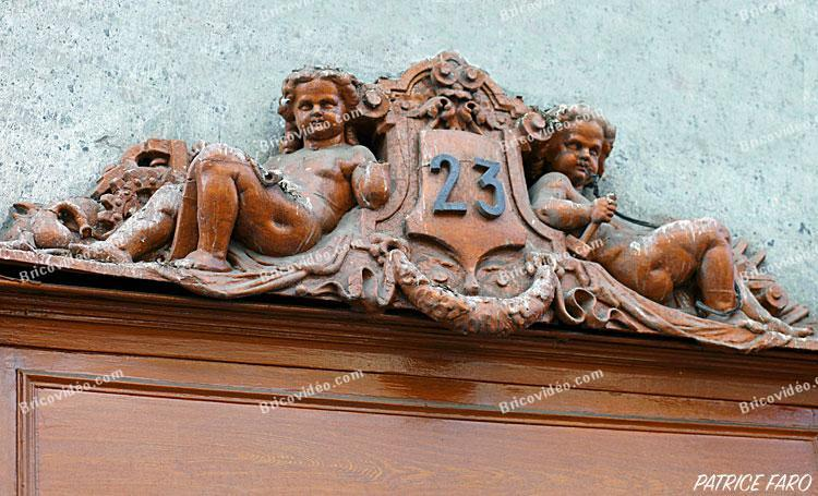 décoration porte ancienne  - Photo Patrice Faro