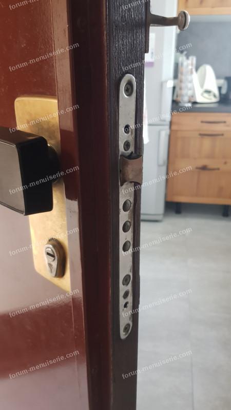 démonter ma poignée de porte