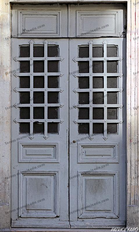 porte ancienne grise - Photo Patrice Faro