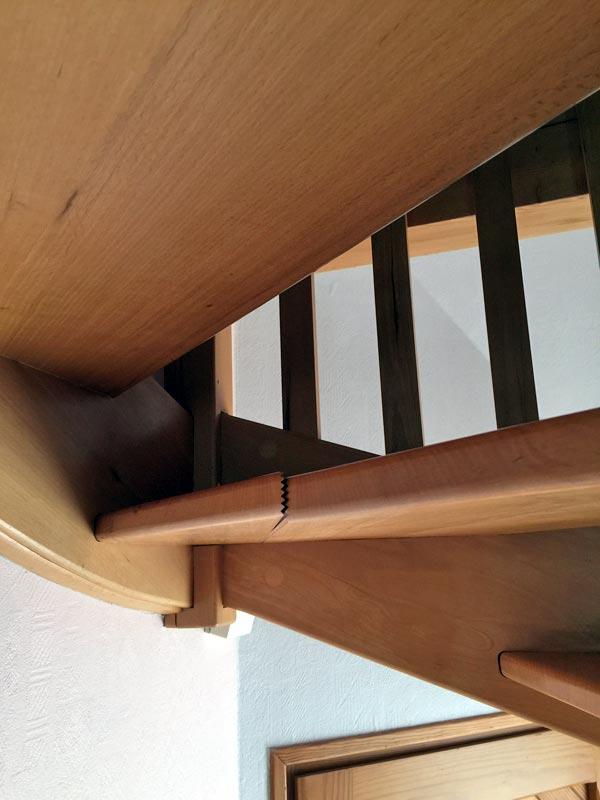 r parer un meuble en bois fendu id e int ressante pour la conception de meubles en bois qui. Black Bedroom Furniture Sets. Home Design Ideas